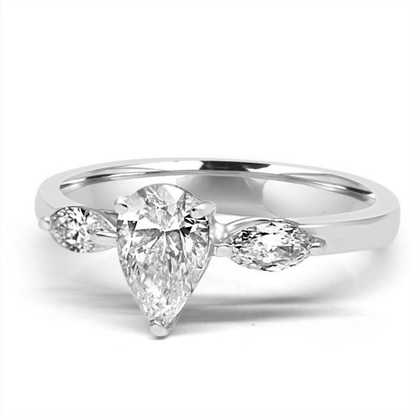 Pear Shaped Diamond Ring R00771